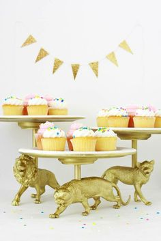 40 Wild Ideas for a Safari-Themed Party | Brit + Co pink or blue instead of gold