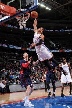 Berita Basket Terbaru- Oklahoma City Thunder memang benar-benar butuh sosok Kevin Durant dan Russell Westbrook dalam skuad mereka. Kehadiran kedua pebasket ini kembali membawa Thunder meraih dua k...
