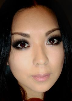 Holiday Shimmery Smokey Look with Barry M & Velour Lashes http://www.makeupbee.com/look_Holiday-Shimmery-Smokey-Look-with-Barry-M--Velour-Lashes_14076