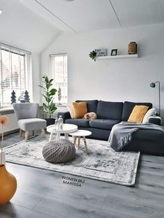 Pin by Ninni Takle on Drømmestue in 2019 Simple Living Room Decor, Small Room Decor, Living Room Grey, Home Living Room, Interior Design Living Room, Living Room Designs, Interior Livingroom, First Apartment Decorating, Living Room Inspiration