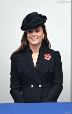 Kate Middleton lors de la célébration du remembrance sunday le novembre 2014 au Cénotaphe de...
