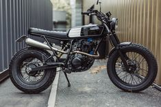 Avec & Co   AVEC – Moto TW125 #17 Tw Yamaha, Yamaha Bikes, Style Cafe Racer, Tw 125, Yamaha Rx100, Tracker Motorcycle, Motorbike Design, 125cc, Bike Pic