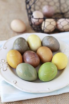 Tea Stained Easter Eggs - Yummy Mummy Kitchen