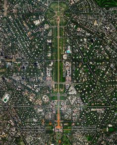 New Delhi serves as the capital of India and is home to more than 21 million residents in its metro area. Officially inaugurated in February the city was planned by British architects Sir Edwin. Nature Landscape, Landscape Design, Villa Architecture, Architecture Diagrams, Architecture Portfolio, City Skylines Game, Plan Maestro, City From Above, City Layout