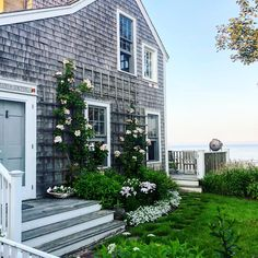 what sunday mornings should be #chicinNantucket #house #design #ACK #nantucket #coast #curbappeal #garden #thepottedboxwood