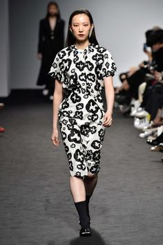 The post Show Review: Bourie Spring 2018 appeared first on Fashion Bomb Daily Style Magazine: Celebrity Fashion, Fashion News, What To Wear, Runway Show Reviews. Seoul and Tokyo Fashion Week are happe