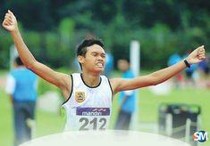 SM/Trisno Suhito - PECAHKAN REKOR : Hadi Nur Ehsan meluapkan kegembiraan setelah berhasi memecahkan rekor nasional lari 1.000 meter kejurnas atletik remaja di Jakarta. (17) Tank Man, Mens Tops