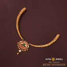 Set in gold short neck piece studded with uncut -diamond with peacock on both the sides looks beautiful. Jewelry Design Earrings, Gold Earrings Designs, Gold Jewellery, Necklace Designs, Geek Jewelry, Temple Jewellery, Handmade Jewellery, Jewelry Sets, Gold Bangles Design