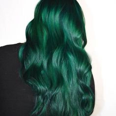 Emerald Beauty! Hair by one of the November Mermaidians: @kcerenahair One of her photos was also chosen as this page's profile pic!  Show some love to her and the other 5 Mermaidians of November posted previously   #Mermaidians
