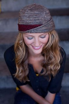 the lucy hat - by knitting daily by kayla. I've seen this pin a hundred times and love it every time.