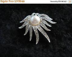 On Sale Vintage Tara Rhinestone Brooch Pin Retro Collectible Costume Jewelry 60s