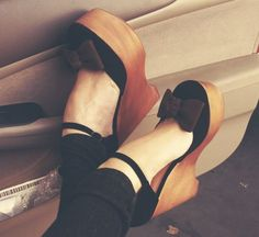 wooden bow wedges