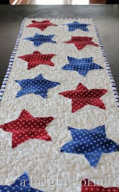 star table runner  -  I would use raw edge applique for a quick project!