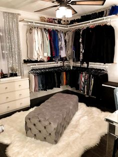 Locate the most effective dressing space concepts, designs & ideas. Browse through photos of stroll in closets & storage rooms to produce your best home. zu Dressing Room Design for Inspiration Y Spare Bedroom Closets, Room Ideas Bedroom, Master Closet, Diy Bedroom, Spare Room Closet, Closet Bench, Basement Closet, Bedroom Apartment, Bed Room