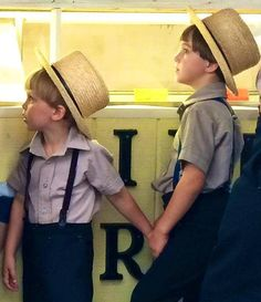Only in Lancaster - PA Two brothers waiting in line for Ice Cream at Root's Market.. Manheim (photo by Joni Farley) Amish Country, Amish Farm, Amish Family, Amish Culture, Amish Community, Pennsylvania Dutch, Amish Market, Sample Resume, World