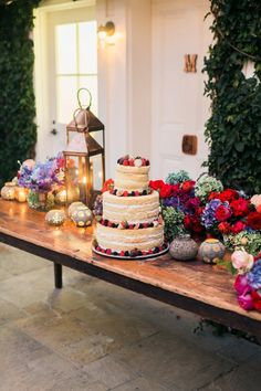 Naked wedding cake a