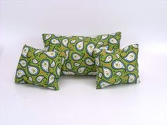 Hey, I found this really awesome Etsy listing at https://www.etsy.com/listing/231594117/green-throw-pillow-set-paisley-pillows