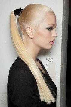 Daphne Groeneveld #runway #ponytail #updo