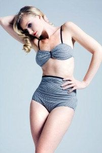 LOVE the highwaist two piece vintage look. SO perfect for short, short waisted women like myself