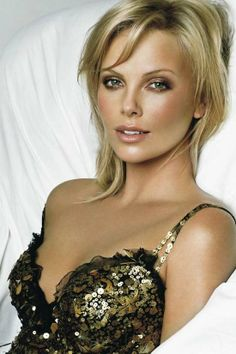 Charlize in room