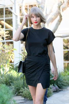 Pin for Later: Taylor Swift Is Definitely Out of the Woods During Her LA Shopping Trip