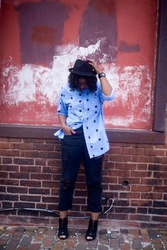 Happy Monday loves!It's been another chill off day for me.Today's lookis menswearinspired. I found my super cute polka dot shirt,...