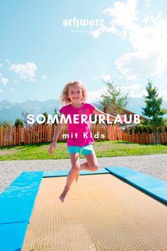 Auf der Suche nach dem perfekten Ziel für einen Sommerurlaub mit Kids? Im Schwarz sorgen der große Abenteuerspielplatz, unser Streichelzoo, die Familienwasserwelt, der Kinderspa, gesundes und leckeres Essen, unsere herzliche Kinderbetreuung und vieles mehr für unbeschwertes Kinderlachen. Jetzt Sommerurlaub mit Kids im Alpenresort Schwarz in Tirol buchen. Urlaub in den Bergen. Hotels, Wellness, Bergen, Beach Mat, Outdoor Blanket, Children Laughing, Petting Zoo, Child Care, Summer Vacations