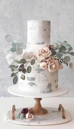 The 50 Most Beautiful Wedding Cakes - Three tier wedding cake - Fabmood Wedding Colors Wedding Themes Wedding color palettes Luxury Wedding Cake, Black Wedding Cakes, Wedding Cake Rustic, Elegant Wedding Cakes, Beautiful Wedding Cakes, Wedding Cake Designs, Elegant Cakes, Beautiful Cakes, Wedding Themes