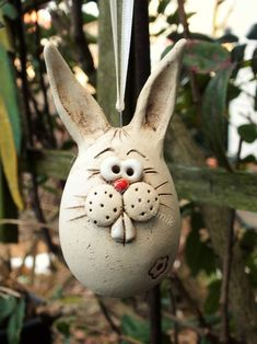 Most recent Pic keramiikka Ceramics Art Concepts Hase Ei Ostern Deko Gartenkeramik Rosenkugel Clay Crafts For Kids, Diy And Crafts, Easter Art, Easter Eggs, Ceramic Pottery, Ceramic Art, Jewelry Boxes Wholesale, Air Dry Clay, Pin Collection