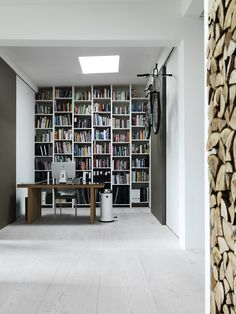Completed by this New York style loft completely restored from its original state and located in Copenhagen, it's the home of Vipp's chief designer, Morten Bo Jensen Home Design, Home Office Design, Interior Design, Design Ideas, Danish Apartment, Style Loft, Loft House, Home Libraries, Modern Loft