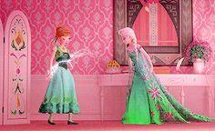Pretty floral dresses for Spring Frozen Disney, Frozen Two, Frozen Heart, Frozen Movie, Disney Fun, Disney Movies, Disney Characters, Disney And Dreamworks, Disney Pixar