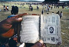 This photo depicts one of the reference books which all South African blacks were once required to carry. Such a passbook, mandatory under apartheid-era laws, determined where its holder could live and work. End Of Apartheid, African National Congress, South Afrika, Black Women Art, Historical Pictures, African History, Black And White Pictures, Africa Travel, Black History