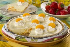 Looking for an easy-to-throw-together pie that& full of sunshine? Our Sunny Party Pie will do the trick! Whipped Cream Desserts, Recipes With Whipping Cream, Cream Recipes, Pie Recipes, Dessert Recipes, Lemon Recipes, Summer Desserts, No Bake Desserts, Easy Desserts