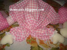 Boneca Pepona   Hoje vim trazer um presente a todas as bonequeiras, a todas que amam as bonecas de pano como eu...    Quando eu abri o b...