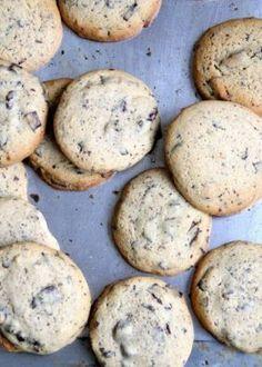 Fantastisk gode cookies med sjokolade og peanøtter - Mat På Bordet Brownie Cookies, Chocolate Chip Cookies, Norwegian Food, Biscuits, Food And Drink, Thanksgiving, Baking, Dinner, Desserts