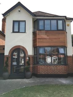 The technique for spray painting all PVC windows and frames with a variety of long lasting durable finishes including Dulux and Farrow and Ball and RAL. House With Grey Windows, House Windows, House Extension Design, House Design, Painting Upvc Windows, 1930s House Exterior, Bay Window Exterior, 1930s House Renovation, Rendered Houses