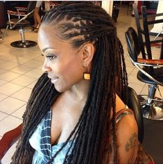 Gorgeous Locs - http://community.blackhairinformation.com/hairstyle-gallery/locs-faux-locs/gorgeous-locs-2/