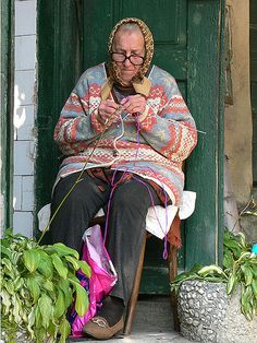 #knit #knitting #yarnOld Woman Knitting