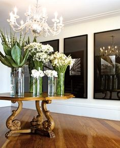Exceptionnel Black And White Photography With Black/smoked Glass Matting Entryway Round  Table, Entry Foyer