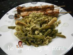 No soy un blog de cocina: REVUELTO DE ESPÁRRAGOS, CON AJOS TIERNOS Y GAMBITAS