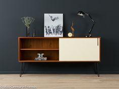 Luxury Wundervolles Sideboard aus den er Jahren Hochwertiger Korpus in Teak Furnier mit einer neuen