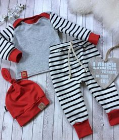 Kombi verschiedene stoffe The post Kombi verschiedene stoffe appeared first on Love Mode. Cute Outfits For Kids, Toddler Outfits, Baby Boy Outfits, Baby Set, Baby Boy Fashion, Kids Fashion, Pinterest Baby, Baby Kids Clothes, Baby Boy Newborn