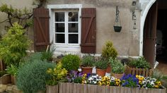 Part renovated house in centre of the quiet, friendly village of Voisey near Bourbonne les Bains. €49000
