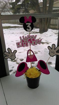 Centro de mesa de Minnie Mouse manos zapatos bolso feliz