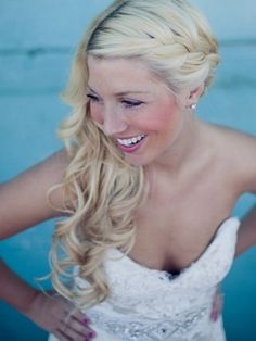 Wedding Hair Inspiration: 12 Ways to wear your Long Hair Down. Photo by Anna Lee Media #EidelPrecious