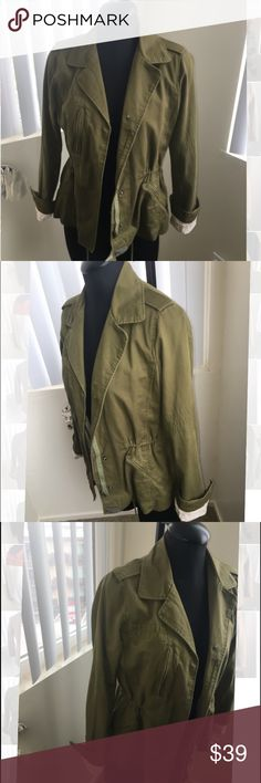 Harlowe & Graham Olive Green drawstring Jacket Harlowe & Graham olive green jacket with drawstrings. In good condition size small. Zips and buttons up for closure. Originally bought at Nordstroms. Harlowe & Graham Jackets & Coats Blazers