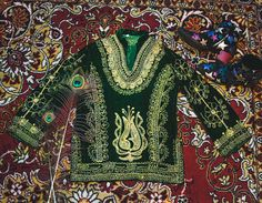 Amazing 1970s velvet emerald blouse with hand embroidered