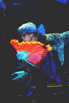 """Performances by Jimin and Moonbyul that broke past gender barriers and also showcased their rich culture 💫 A short but significant thread ✨"" Busan, Bts Jimin, Bts Bangtan Boy, Bangtan Bomb, Namjoon, Seokjin, Taehyung, Park Ji Min, Jikook"
