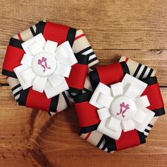 Horse show bows with designer plaid and red - such a classic combination.  #equestrian #pony
