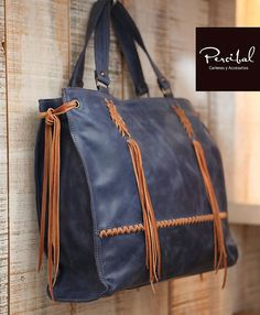 Cream leather bag oversize purse natural leather by Percibal Source by Bags for work Tote Purse, Tote Handbags, Purses And Handbags, Large Shoulder Bags, Shoulder Purse, Natural Leather, Brown Leather, Leather Bags Handmade, Ladies Bags